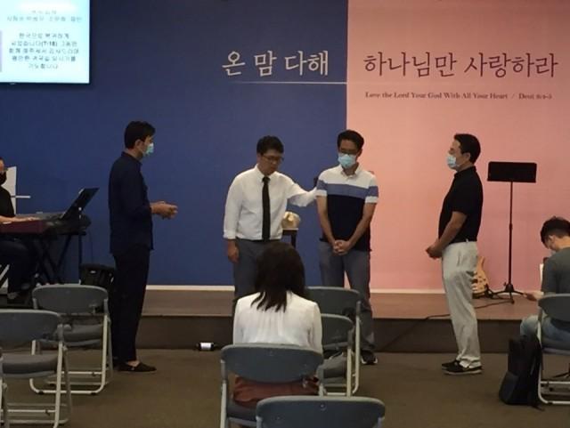 박성우 성도 귀국인사 (2)